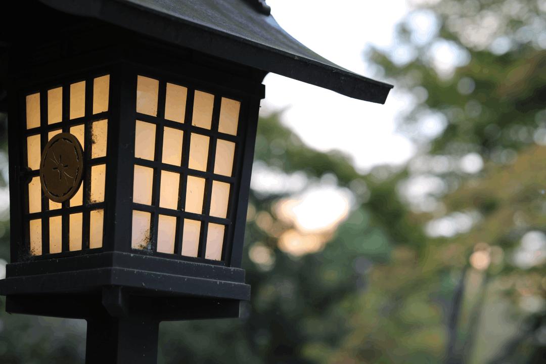 Comment choisir des lampadaires extérieurs pour votre jardin ?
